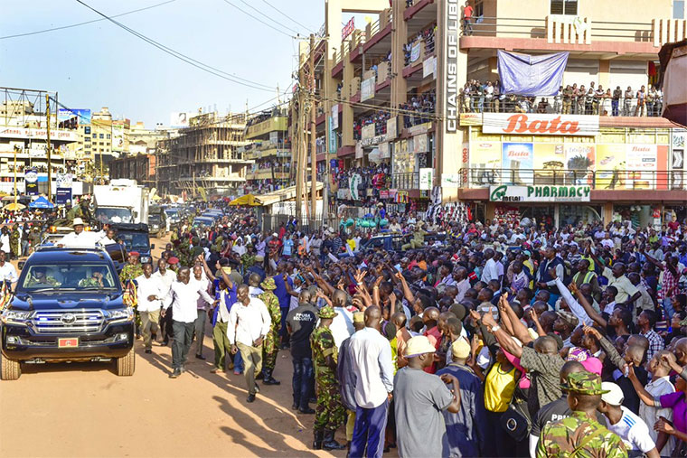 Museveni made several donations during his tour in downtown Kampala