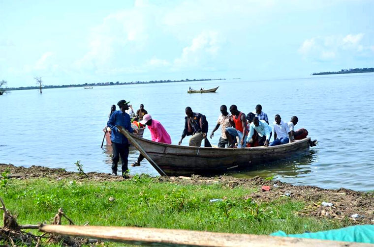 The pupils failed to hire a boat to the island