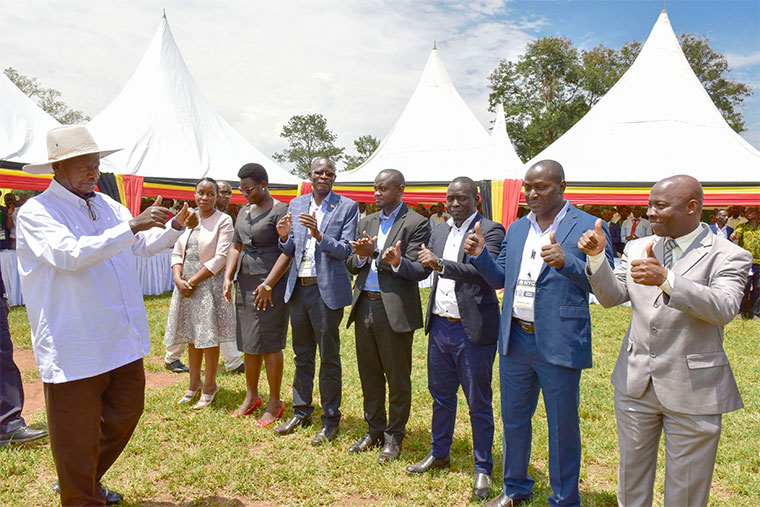 Youth leaders show their allegiance to Museveni